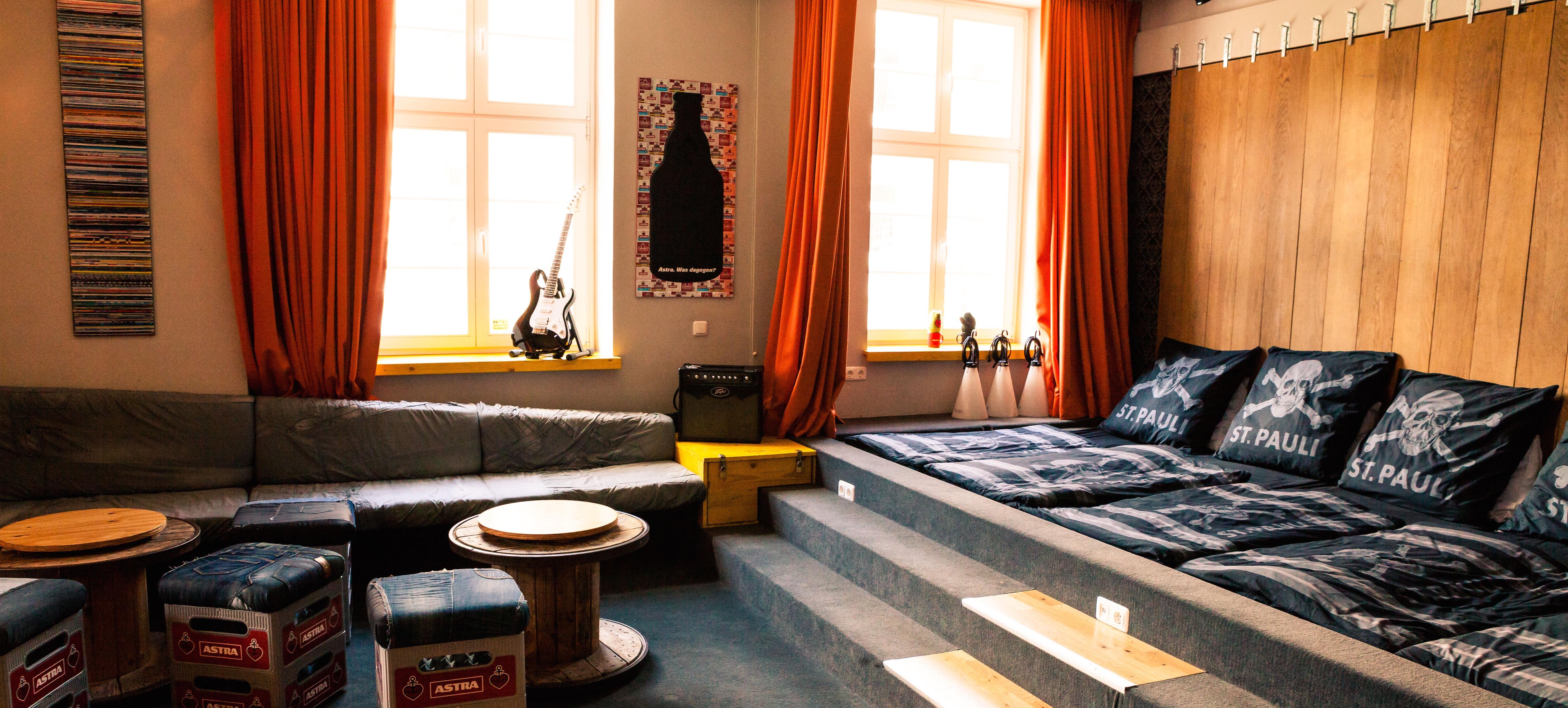 Location-Hamburg-Superbude-01 - Heyminga Touren München